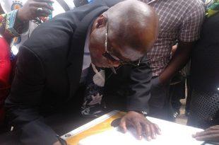 Scores of people pays tribute to Winnie Madikizela-Mandeala